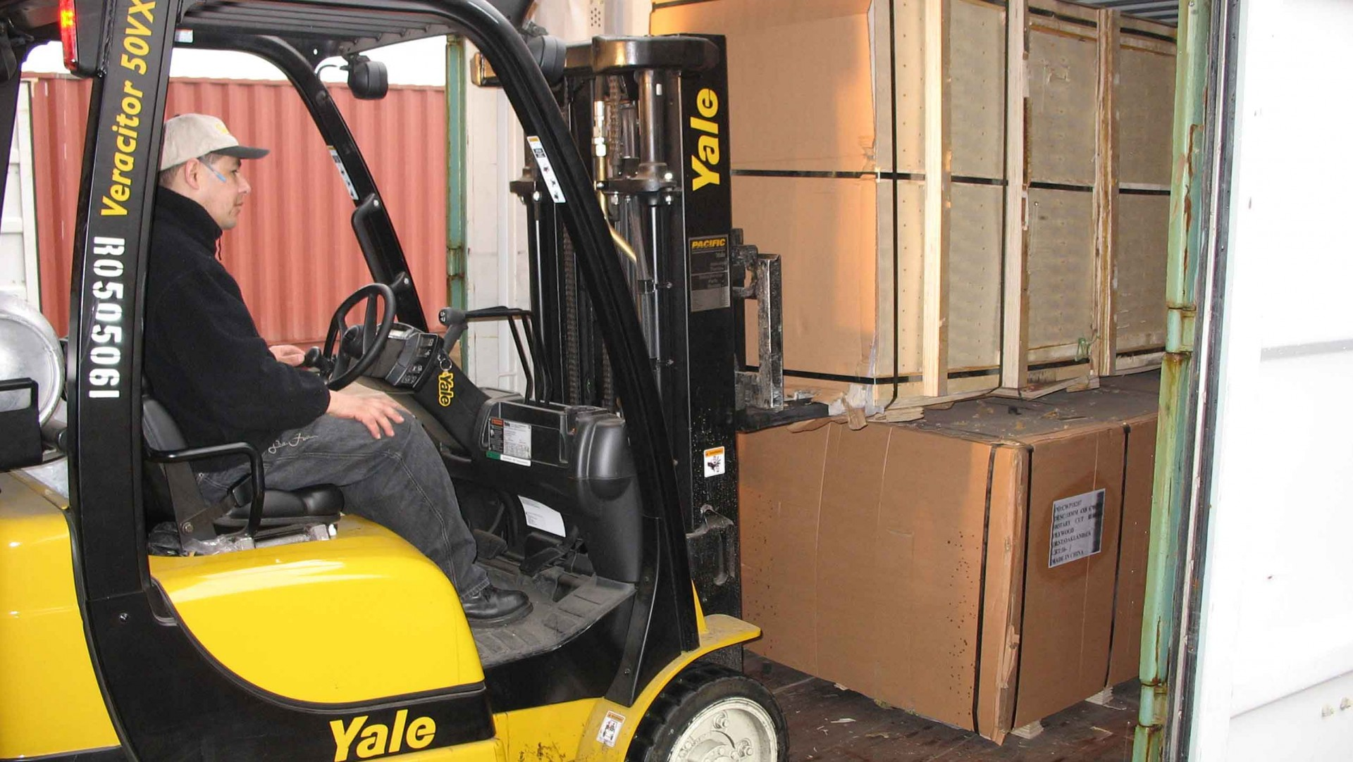 picture of fork lift